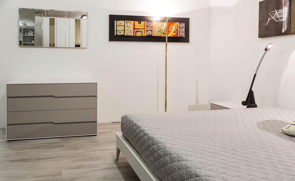 Camere da letto moderne imola ronchi arredamenti for Camere da letto arredate da architetti