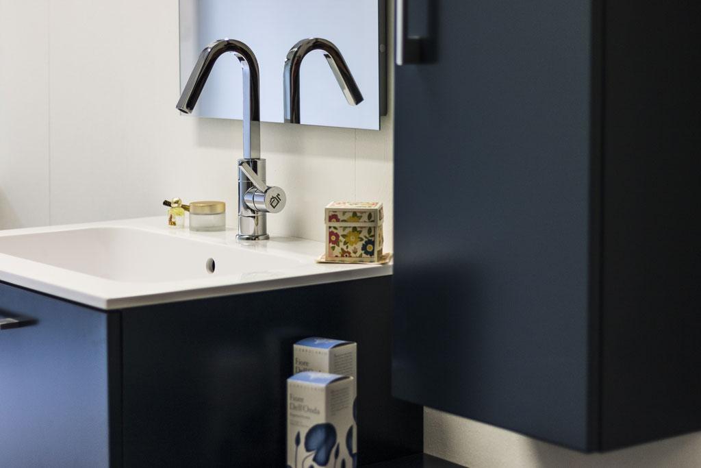 Arredo bagno imola mobili specchi e sanitari ronchi for Fb arredamenti